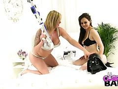 Fußfetisch mit mega kurvigem Stormtrooper und sexy Darth Vader