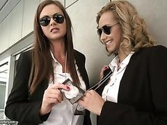 FBI-Agenten Tina Kay und Veronica Leal in heiß anal flotter Dreier