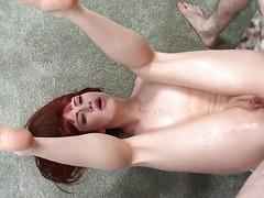 Tiffany Watson spritzt mit hartem Schwanz in ihr lockeres Arschloch