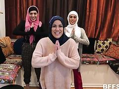 Hijab Partei verwandelt sich in umgekehrter gangbang mit BBC