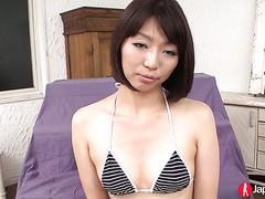 MILF Izumi Manaka wird gespielt, zuckenden Orgasmus
