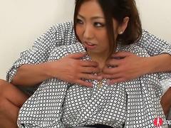 Yui Nanase bekommt Ihre Behaarte Fotze Spielzeug gefickt bis zum Orgasmus