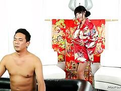 Nuru-Massage mit atemberaubender japanischer Geisha Marica Hase