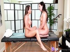 Tyler Nixon gefällt langbeinige Schätzchen mit dampfenden cunnilingus in massage parlor