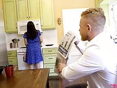 Haley Reed schluckt und wird von ihrem supergeilen Stiefvater - POV - creampiert
