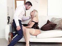 Unvergesslicher Fick mit der vollbusigen englischen MILF Michelle Thorne