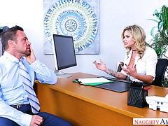 Ficker fickt seine geschiedene Chefin Jessa Rhodes in ihrem Büro