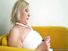 reife blonde kate