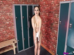 Perfekt aussehende einsam Nymphomanin Tina Kay ist bereit zu stellen nackt