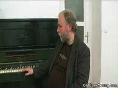 Die Klavierlehrer Pornos
