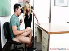 Brandi Love und Nicole Aniston sind zwei freche Lehrer und Sie lieben es, dreier