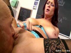 Milf Lehrerin gefickt von einem Schüler