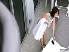 Die bezaubernde Kylie Quinn übt mit Stiefbruder Schwanzlutschen und Reiten
